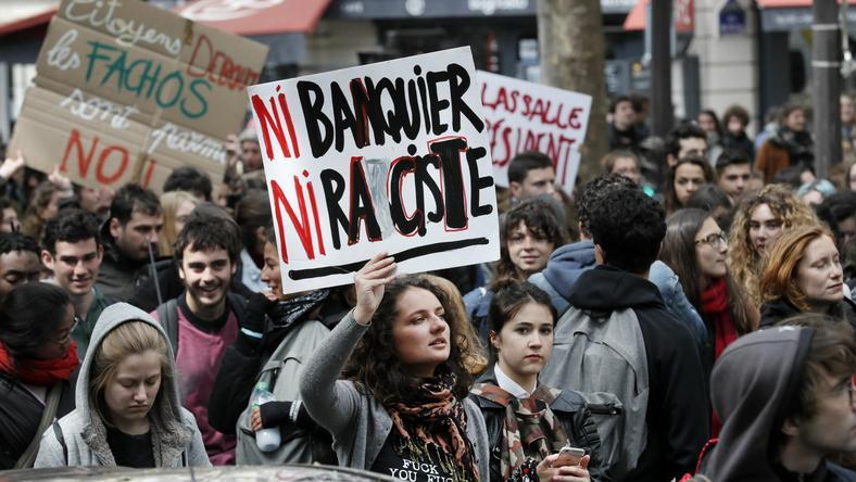 Francja: protest młodzieży przeciwko wyborowi między Macronem a Le Pen