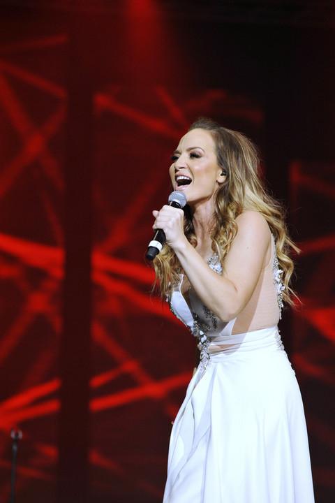 U eri izoperisanih pevačica, Jelena Tomašević poručila: 'Žene prvo treba da se neguju duhovno, pa tek onda fizički!'