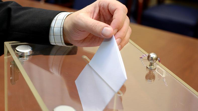 Urna do głosowania
