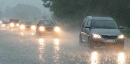 Gwałtowna ulewa przechodzi nad Warszawą