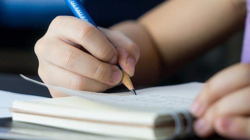 dyktando, pismo, pisanie, uczeń