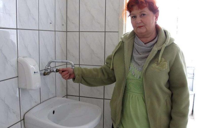 Chcesz się umyć - przynieś kurki!