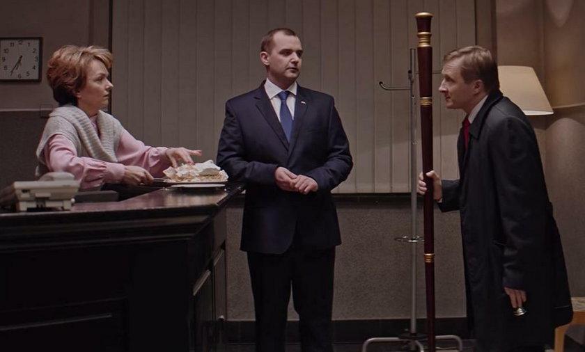 """Adrian z """"Ucha Prezesa"""" o decyzji Dudy. Jest filmik!"""