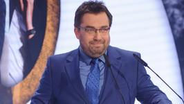 """Bartosz Węglarczyk wreszcie zabrał głos w sprawie """"Milionerów"""". Jak tłumaczy się z głośnej wpadki?"""