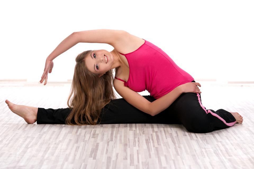 Wykonuj ćwiczenia rozciągające