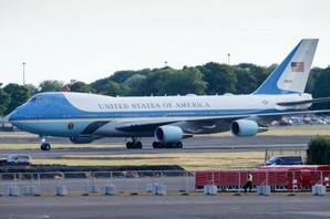 NE IZGLEDA DOVOLJNO AMERIČKI Tramp menja boju predsedničkog aviona