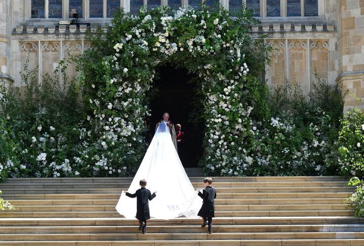 ślub Księcia Harryego Tak Wyglądała Suknia ślubna Księżnej Meghan