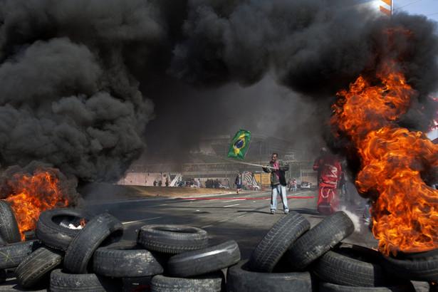 Protesty w Sao Paolo w Brazylii. Fot. EPA/SEBASTIAO MOREIRA/PAP/EPA.