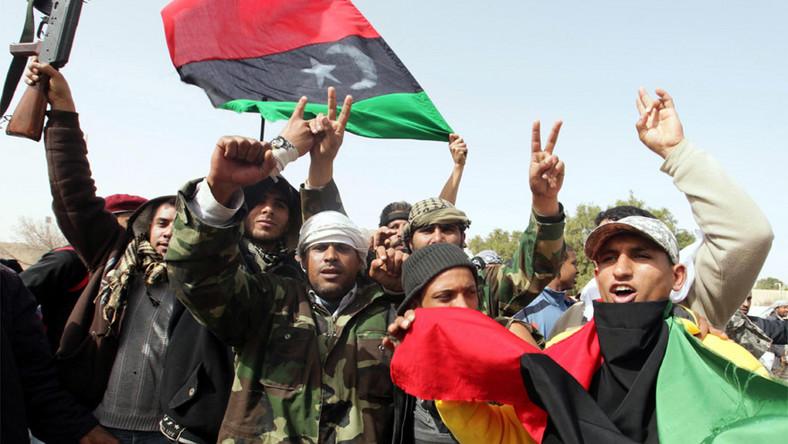Siły Kadafiego wyparte z miasta Zawija