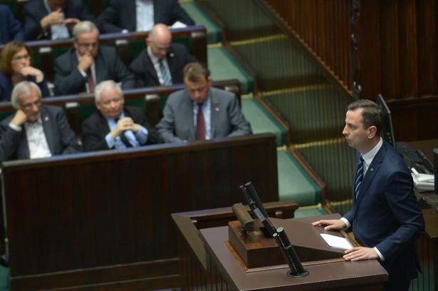 Lider PSL Władysław Kosiniak-Kamysz na mównicy podczas posiedzenia Sejmu