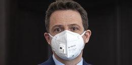 Trzaskowski wyszedł ze szpitala. Cały czas zmaga się z zapaleniem płuc, ale najbardziej dumny jest z żony