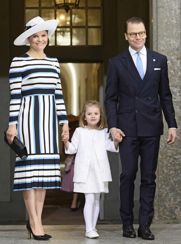 švedska prestolonaslednica Viktorija sa suprugom i princezom Estel