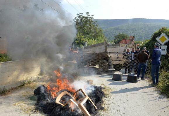 Barikade ka selu Banje na KiM