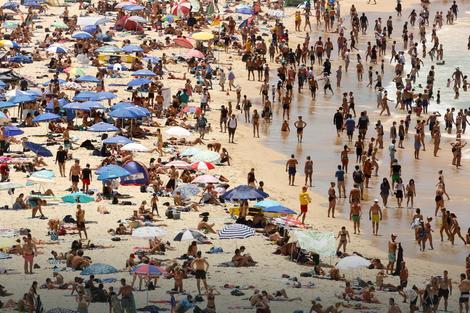 Gužva na plaži kod Sidneja
