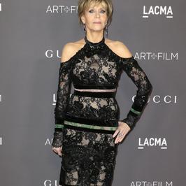 Jane Fonda w koronkowej kreacji na czerwonym dywanie. To chyba nie był dobry pomysł...