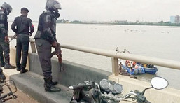 For Illustration:  Police officers on Third Mainland Bridge during rescue operation  (Punch)