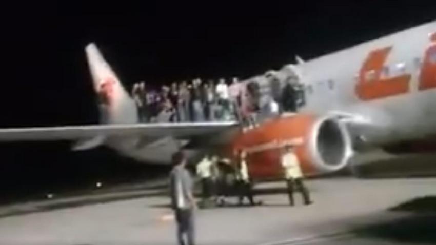 Groza na pokładzie samolotu, wielu rannych! FILM