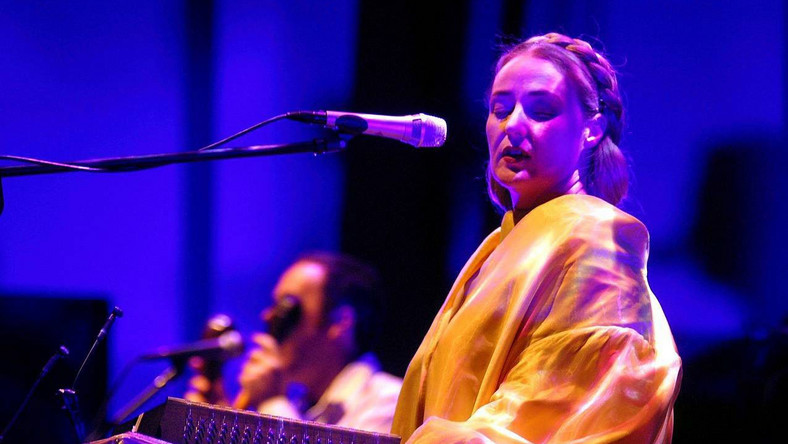 Lisa Gerrard podczas koncertu w Warszawie