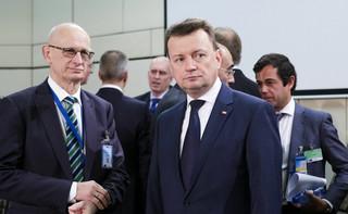 Koniec epoki Macierewicza. Nowy minister układa armię