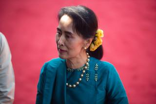 Przywódczyni Birmy Suu Kyi przeniesiona z aresztu domowego w nieznane miejsce