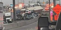 Potężny karambol na autostradzie. Zderzyło się 100 aut, są ofiary śmiertelne