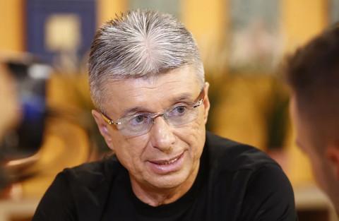 Folkerka pobesnela zbog Saše Popovića: 'Ako mu je ostalo IMALO OBRAZA treba da ga je SRAMOTA!'
