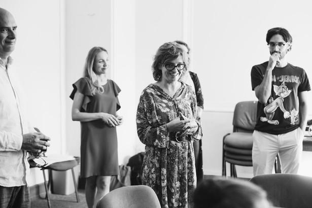 W czerwcu 2018 roku w STUDIO rozpocznie się interdyscyplinarny projekt łączący teatr, sztuki wizualne i muzykę współczesną, realizowany wspólnie przez studentów i artystów CalArts oraz aktorów STUDIO. Efekty tej współpracy zostaną zaprezentowane w Studio oraz na Placu Defilad podczas mini Festiwalu CalArts STUDIO w dniach 22-24 czerwca 2018.