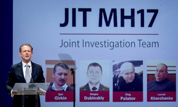 Četvorica optuženih za rušenje aviona