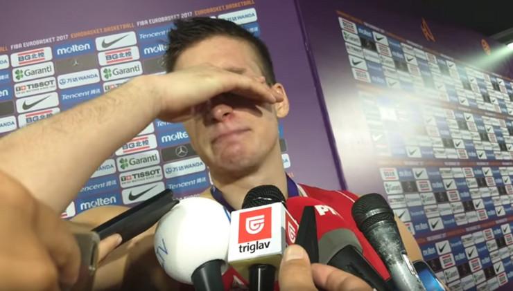Bogdan Bogdanović plače