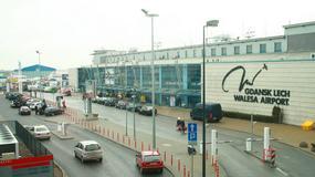 Pasażerowie spóźnili się na samolot i wdarli się na płytę lotniska
