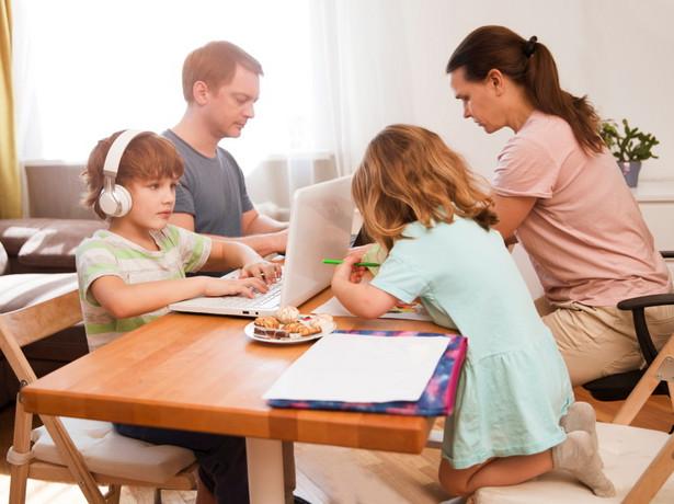Decydujące znaczenie dla nabycia ochrony powinien mieć sam fakt bycia rodzicem, a nie rodzaj prywatnego związku