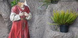 Bezbożnicy zniszczyli figurę Matki Bożej!