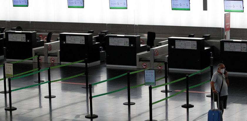 Powrót do domu z kraju z zakazem lotów. Będą loty LOT-u