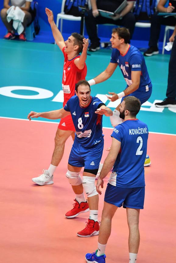 Marko Ivović (broj 8) sa saigračima