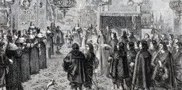 """Śmiałymi pieszczotami miała zdobyć """"lubieżnego"""" polskiego króla"""