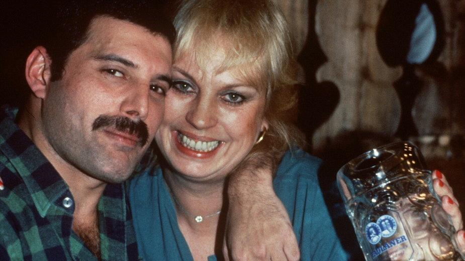Freddie Mercury i Barbara Valentin w barze w Monachium w 1984 r.