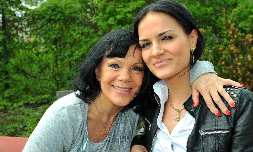 Izabela Skrybat-Dziewiątkowska z córką