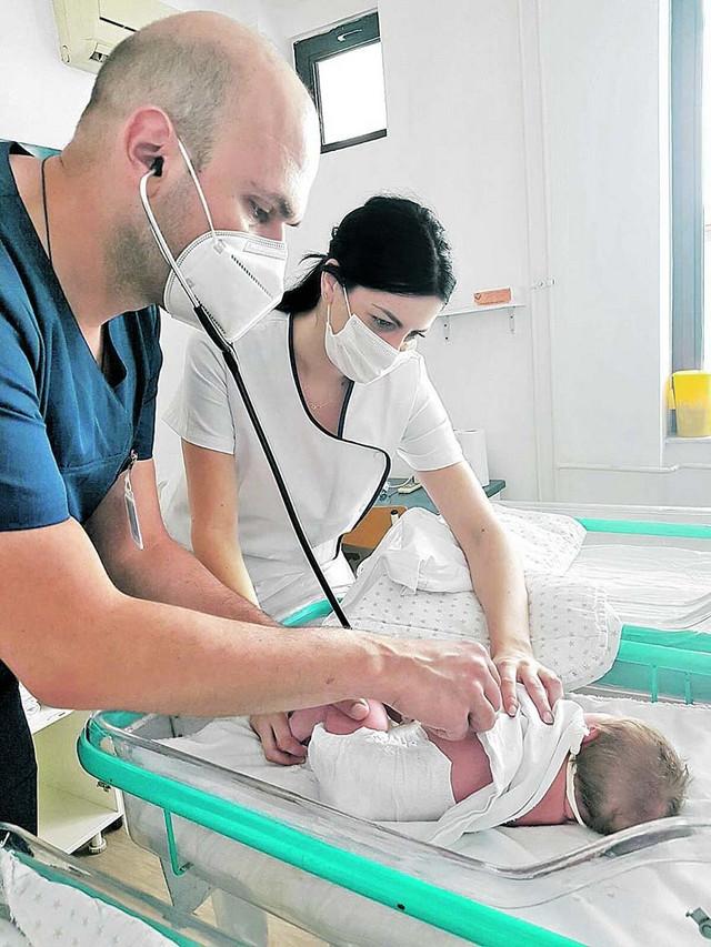 Šest trudnica pozitivnih na koronu pušteno je kući sa zdravom decom