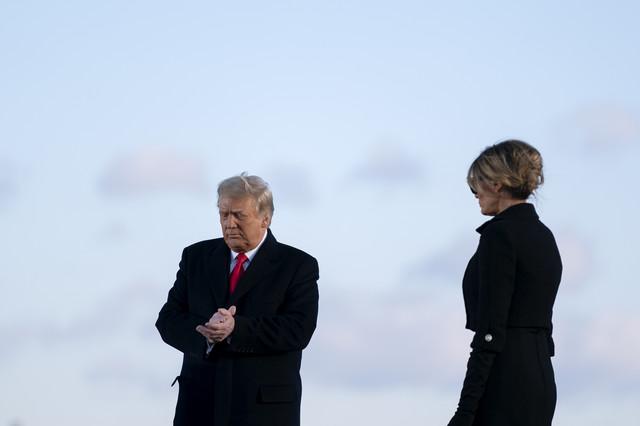 Godišnjica braka u senci opoziva - Donald i Melanija Tramp