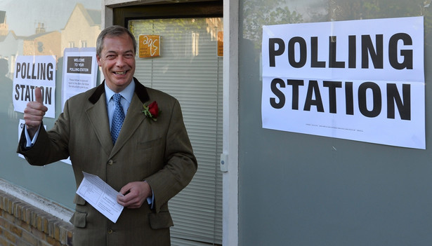Na brytyjskiej scenie politycznej na znaczeniu zyskują więc mniejsze partie. Nigel Farage, EPA/HANNAH MCKAY Dostawca: PAP/EPA.