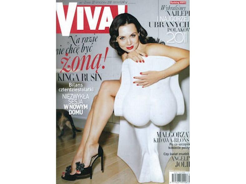 """Naga Kinga Rusin na okładce magazynu """"Viva"""""""