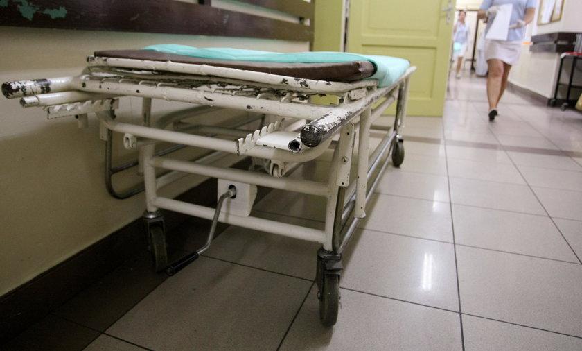 Pacjent popalił szpitalne łóżko