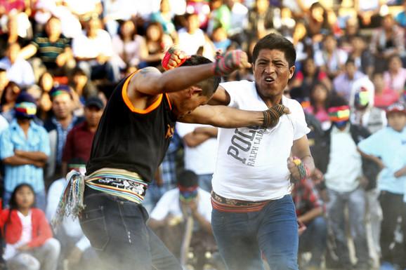 Tradicionalni festival Takanakuj u Peruu