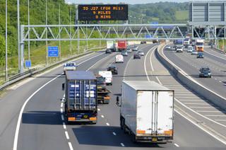 Permanentna inwigilacja drogowa: Służby będą mogły śledzić każdy samochód w kraju