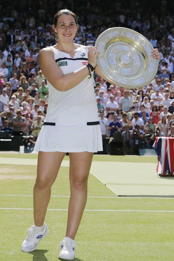 Marion Bartoli 2013. nakon osvajanja Vimbldona