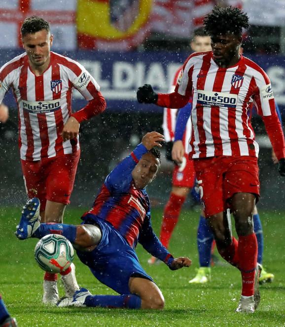 FK Ejbar, FK Atletiko Madrid