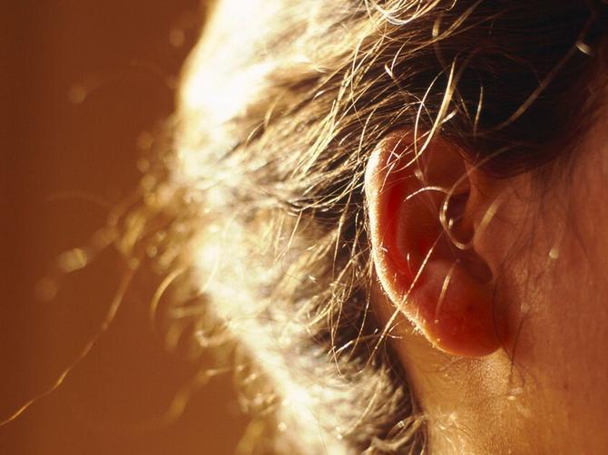 Dobro pogledajte ušne resice: Ovaj detalj pokazuje da vam preti MOŽDANI UDAR