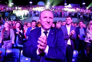 'Fakt' podał, że przyjaciółka Kurskiego dostała 68 tys. zł premii. TVP zapowiada pozew