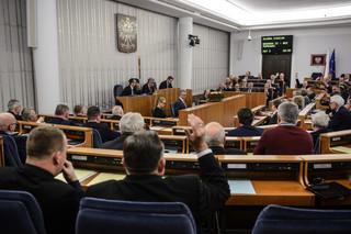 Senat zatwierdził ustawę o służbie cywilnej