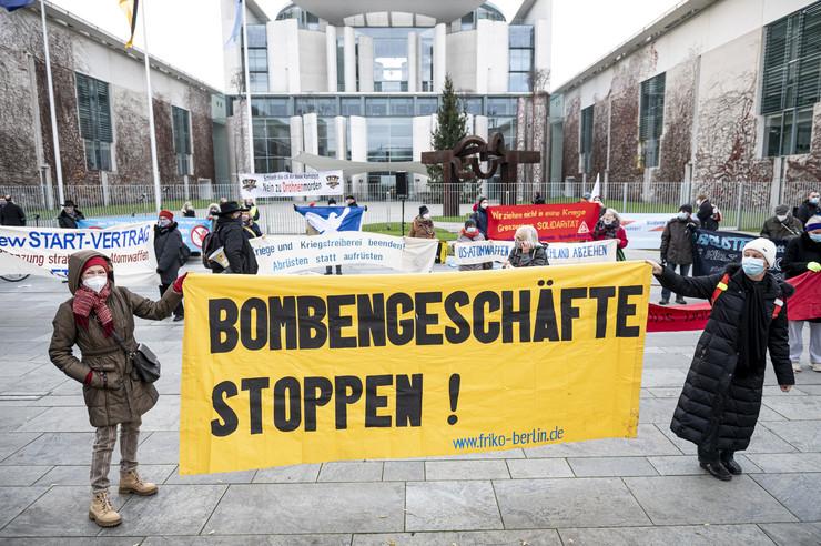 Berlin naoružanje protest